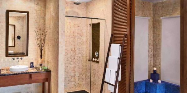 villamasterbathroom